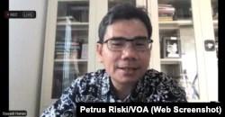 Direktur Eksekutif Lembaga Survei Indonesia (LSI), Djayadi Hanan. (Foto: tangkapan layar/Petrus Riski-VOA).
