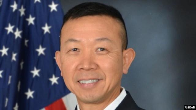 Ông Lapthe Flora, (tên Việt là Châu Lập Thể), trước đó là đại tá trong lực lượng Vệ binh Quốc gia của tiểu bang Virginia ở đông bắc Hoa Kỳ, đã được thăng hàm cấp tướng hôm 6/6/2016.,