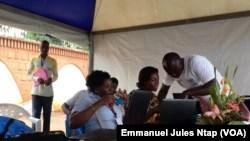 Le jury du Business Challenge à Yaoundé pour désigner le meilleur projet porté par un jeune camerounais en 2019, le 11 février 2019. (VOA/Emmanuel Jules Ntap)