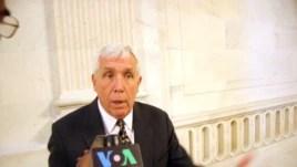 Dân biểu Cộng hòa Frank Wolf trong cuộc phỏng vấn với đài VOA.