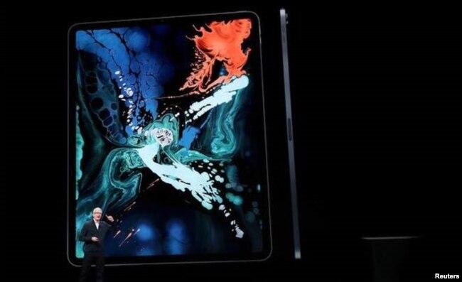 Apple presenta el nuevo iPad Pro durante un evento de lanzamiento en el distrito de Brooklyn, Nueva York, el 30 de octubre de 2018.