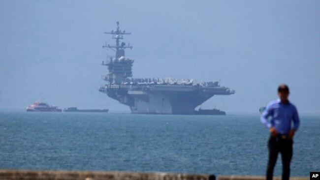 USS Carl Vinson cập cảng Tiên Sa, Đà Nẵng, hôm 5/3.