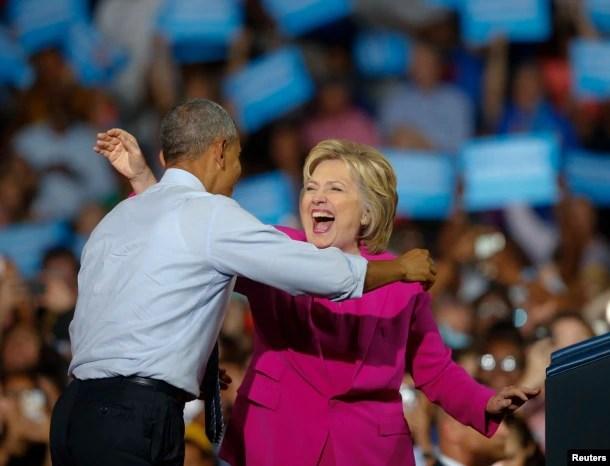 Tổng thống Barack Obama và ứng cử viên Tổng thống Đảng Dân chủ Hillary Clinton trong một cuộc mít tinh, ngày 5 tháng 7 năm 2016.