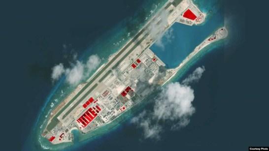 Ảnh vệ tinh chụp Đá Chữ Thập do AMTI, CSIS công bố (Photo Courtesy CSIS)