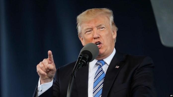 Donald Trump es el segundo mandatario estadounidense que pronuncia un discurso de graduación en la Universidad Liberty, en Lynchburg, Virginia. Mayo 13, 2017