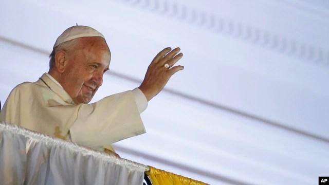 Đức Giáo Hoàng chủ trì Thánh lễ ngoài trời ở thành phố cảng Guayaquil, ngày 6/7/2015.