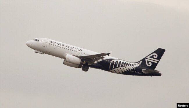 Pesawat milik maskapai penerbangan Air New Zealand lepas landas dari Bandara Internasional Kingsford Smith, Sydney, Australia, 22 Februari 2018. (Foto: dok).