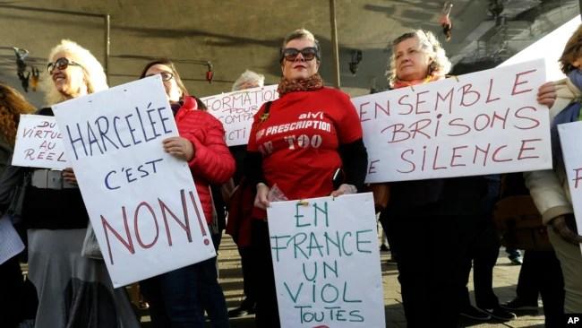 Archivo-Mujeres han protestado contra el acoso sexual en el último año.