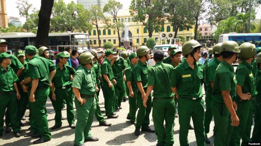 Chính quyền đã huy động đông đảo tất cả các lực lượng để ngăn, vây bắt người biểu tình.