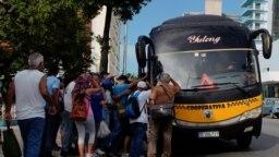 El transporte ha sido por años un grave problema para la mayoría de los cubanos, como parte de la crisis económica que padece la nación.