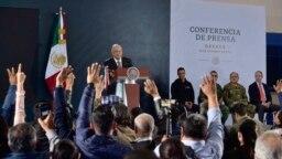 El presidente mexicano, Andrés Manuel López Obrador, defiende acciones de sus fuerzas de seguridad en una conferencia de prensa el 18 de octubre de 2019. (Foto de la Oficina de Prensa de la Presidencia de México via AP).