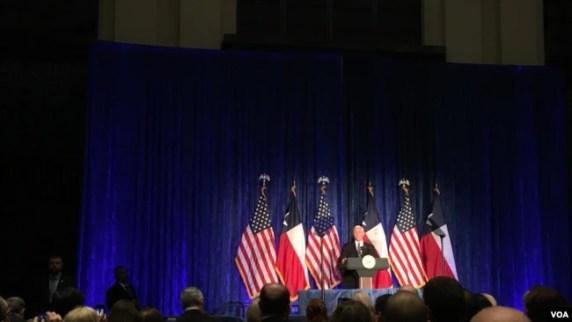 El 5 de abril de 2019, el vicepresidente de Estados Unidos, Mike Pence, anunció en Houston nuevas sanciones petroleras contra el gobierno en disputa de Venezuela