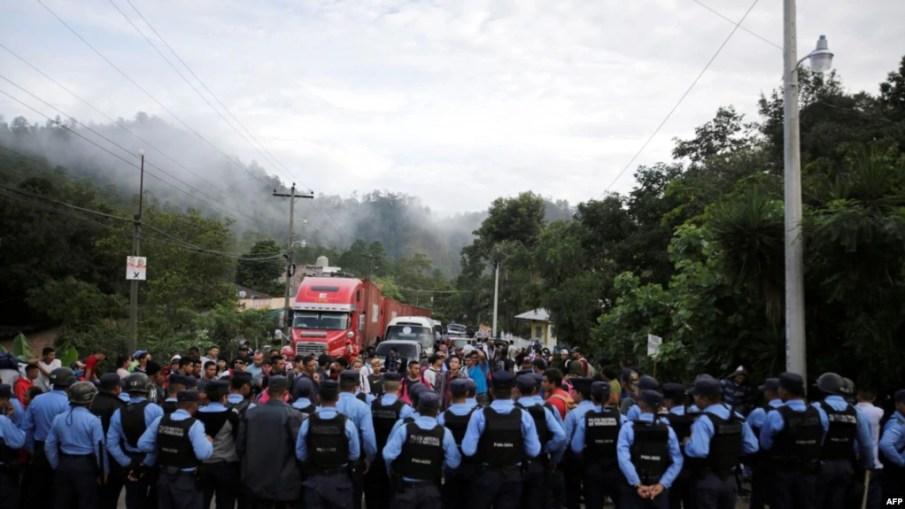 La caravana de migrantes hondureños continuaban el lunes 22 de octubre de 2018 la travesía para llegar a EE.UU.