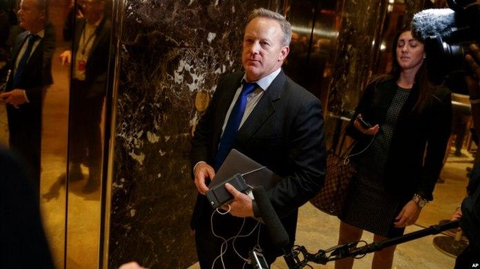 El entrante secretario de Prensa de la Casa Blanca, Sean Spicer, dice que habrá hispanos en la administración Trump.