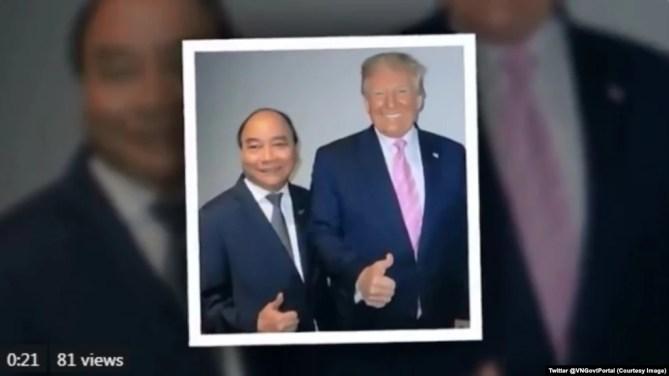 Thủ tướng Nguyễn Xuân Phúc và Tổng thống Donald Trump chụp ảnh bên lề Hội nghị G20 ở Osaka, Nhật Bản, hôm 28/6. (Twitter @VNGovtPortal)