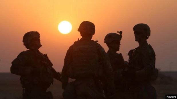 Sejumlah tentara Amerika di Qayyara, selatan Mosul, Irak, pada Oktober 2016.