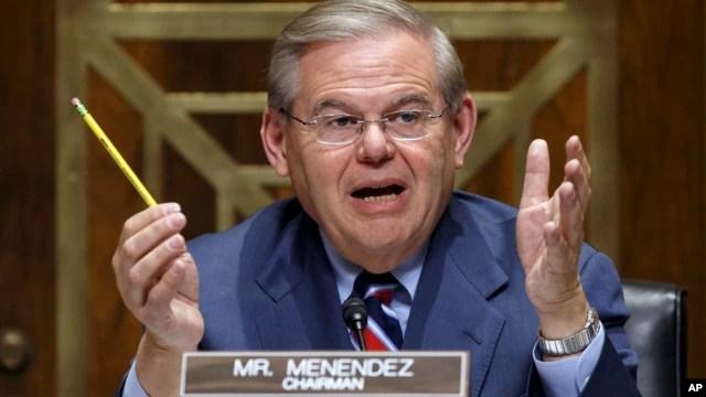 Nghị quyết 412 do thượng nghị sĩ Robert Menendez đề xướng tái khẳng định sự ủng hộ của chính phủ Mỹ đối với quyền tự do hàng hải và việc sử dụng hải phận-không phận ở khu vực Châu Á-Thái Bình Dương theo đúng luật pháp quốc tế
