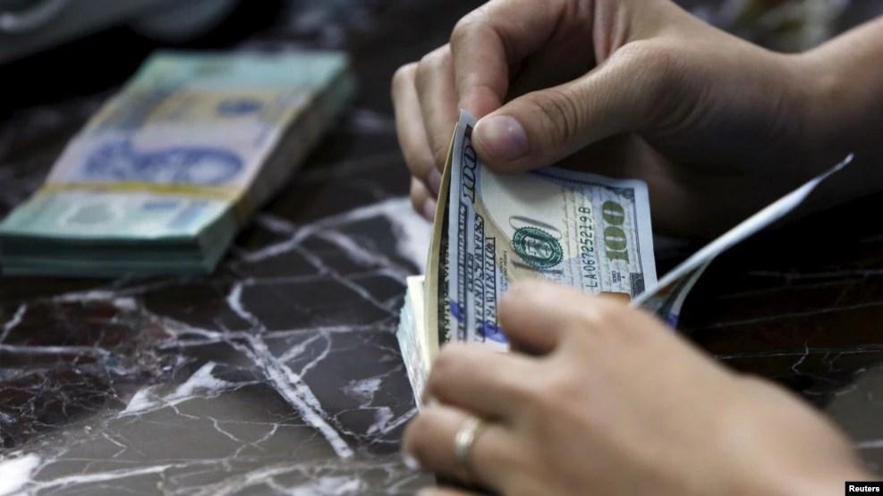 Sức hấp dẫn của nhiều kênh đầu tư như vàng và USD luôn rất lớn ở Việt Nam và đó chính là nơi xuất phát những tin đồn.