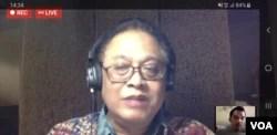 """Pakar Epidemiologi UI, Dr. Pandu Riono, saat Webkusi """"Pilkada 9 Desember 2020 Mungkinkah?"""", Minggu (19/4). (VOA/Yudha)."""