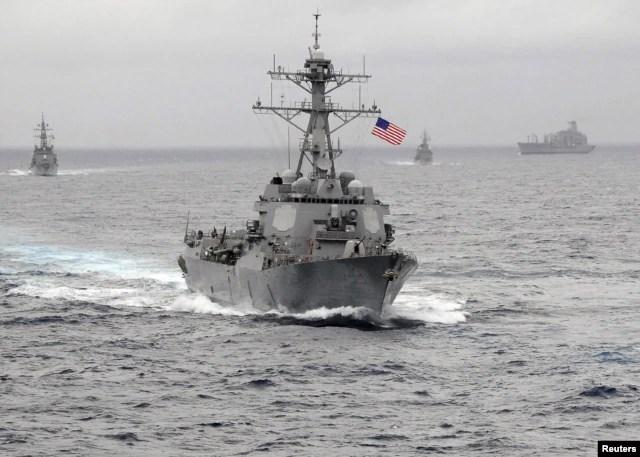 Chiến hạm USS Larsen có phi đạn dẫn đường đã tiến vào phạm vi 12 hải lý cách một hòn đảo nhân tạo do Trung Quốc xây dựng ở quần đảo Trường Sa đang có tranh chấp.