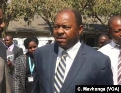 Der Gesundheitsminister von Obediah Moyo Zimbabwe sagt, dass es auf den Straßen in Harare, September 2018, keine Händler gibt.