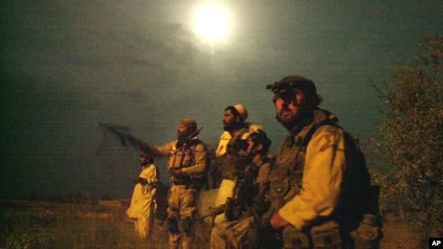 La idea del Pentágono es meter miedo durante la noche al liderazgo de ISIS, que no sabrá quien puede asomarse por la ventana.
