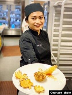 Rie Sims, pendiri sekaligus chef restoran Warung RieRie di San Diego, California (dok: Rie Sims)