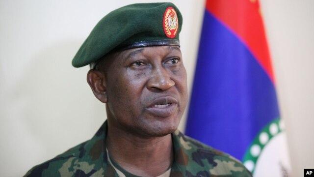 Thiếu tướng Chris Olukolade cho biết những người bị bắt cóc được tìm thấy tại 3 trại trong một cứ địa của nhóm Boko Haram