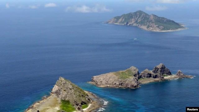 Các hòn đảo đang tranh chấp ở Biển Hoa Đông mà Nhật gọi là Senkaku và Trung Quốc gọi là Ðiếu Ngư