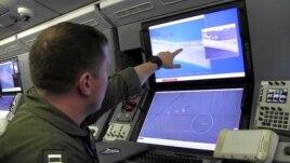 Máy bay trinh sát P8 Poseidon của Mỹ chụp được các hình ảnh cho thấy hành động 'lấp biển lấy đất' của Trung Quốc trên quần đảo Trường Sa ở Biển Đông, ngày 21/5/2015.