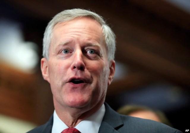 """El representante republicano por Carolina del Sur Mark Meadows, dice que uno de los proyectos de ley de inmigración proporcionaría protecciones a los llamados """"dreamers""""."""