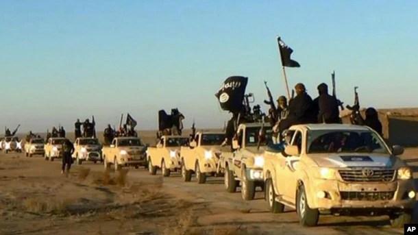 İŞİD döyüşçüləri Suriyada paytaxt elan etdikləri Raqqa şəhərində
