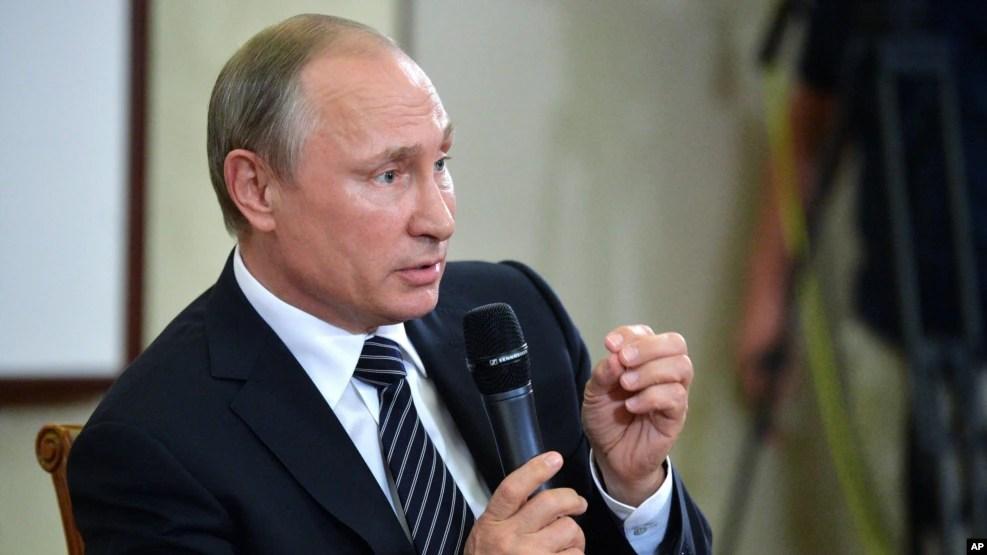 Tổng thống Nga Vladimir Putin phát biểu tại 1 cuộc họp báo sau khi kết thúc Hội nghị thượng đỉnh G-20 ở Hàng Châu, Trung Quốc, 5/9/2016.