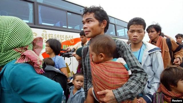 Hàng ngàn người Thượng đã bỏ trốn qua Kampuchea vào năm 2001 và 2003, nhưng nhiều người bị bắt và gửi trả về Việt Nam,  mặc dù có một số người đã được cho tỵ nạn ở Hoa Kỳ và các nước Tây phương khác