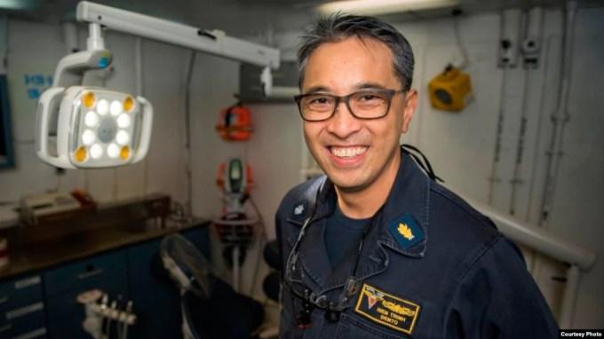 Quân nhân Mỹ gốc Việt Hiền Trịnh trên tàu sân bay USS Carl Vinson.