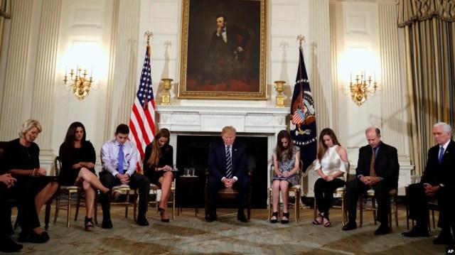 Oração antes de encontro na Casa Branca