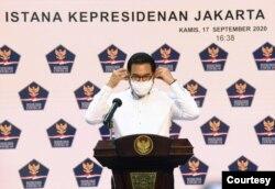 Juru Bicara Satgas COVID-19 dalam telekonferensi pers di Istana Kepresidenan, Jakarta , Kamis (17/9) meminta instansi pemerintah terbuka kepada publik terkait informasi pejabat publik yang terkena corona (Setpres RI)