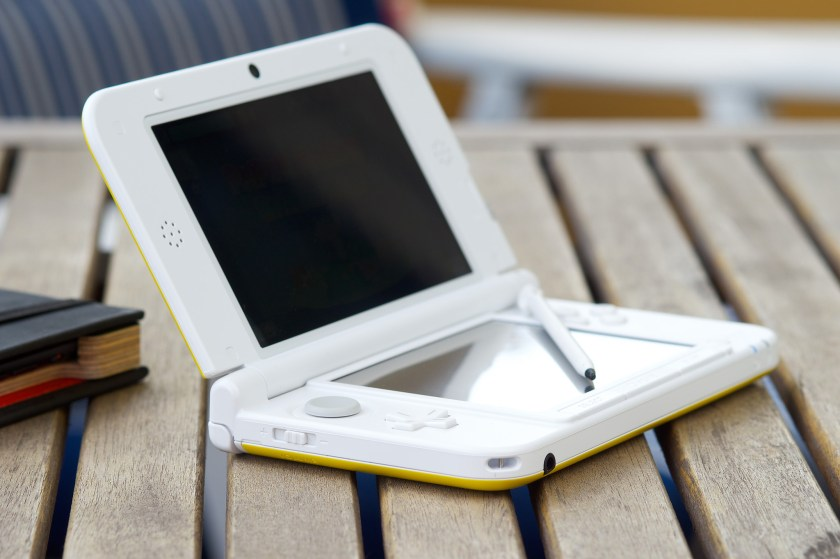 Nintendo 3DS XL 16