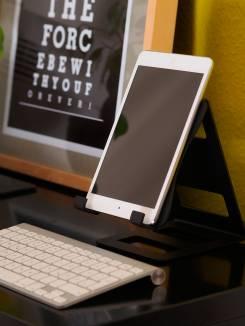 RaabDesign present-IT Tablet-Haltern-1