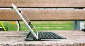 QODE-Thin-Type-Tastaturhülle-für-das-iPad-Air-13