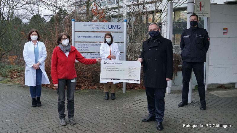 Schöne Weihnachtsaktion der Kolleginnen und Kollegen der PD Göttingen: