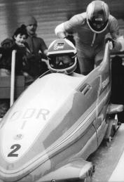 Olympic and World Champion bobsledders Wolfgang Hoppe und Dietmar Schauerhammer at Oberhof's bob run during 1985 GDR Championships (photo: Helmut Schar, Bundesarchiv Bild 183 1984 0311 034)