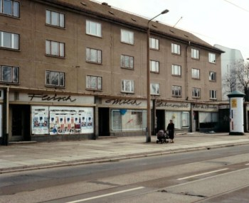 Abandoned GDR-era grocery store which featured neon signage in Leipzig's Arthur-Hoffmann-Straße, 1999 (photo: author).