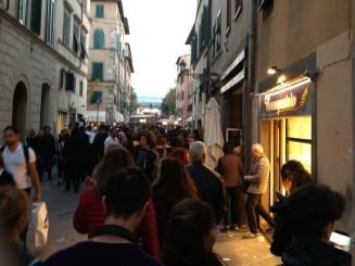 un-po-di-folla-nel-centro-storico