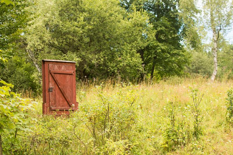 """""""Drzwi do zaginionego świata"""" można spotkać w kilku miejscach w Beskidzie Niskim"""