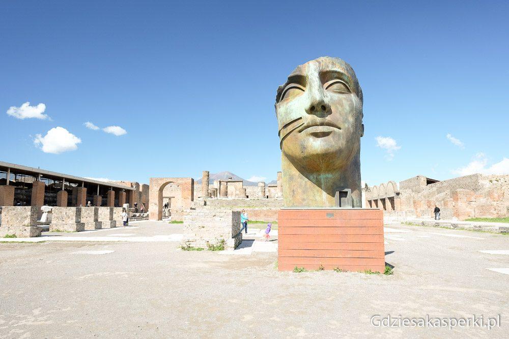 Pompeje-3- Wystawa rzeźć Igora Mitoraja w Pompejach