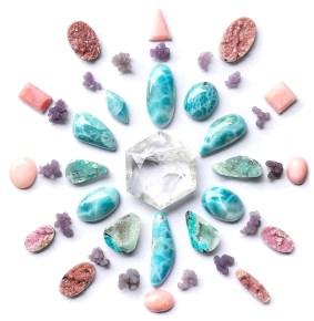 Griglia cristalli e pietre