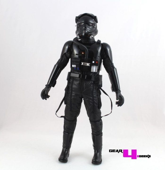 star-wars-force-awakens-first-order-tie-pilot-hot-toys-5