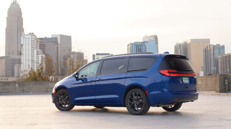 I used the vacuum in the 2021 Chrysler Pacifica Pinnacle and there's no going back