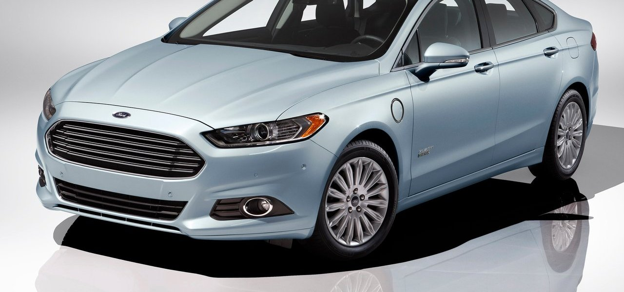 2013 Ford Fusion Energi | Sportier, More Aggressive and Green 1
